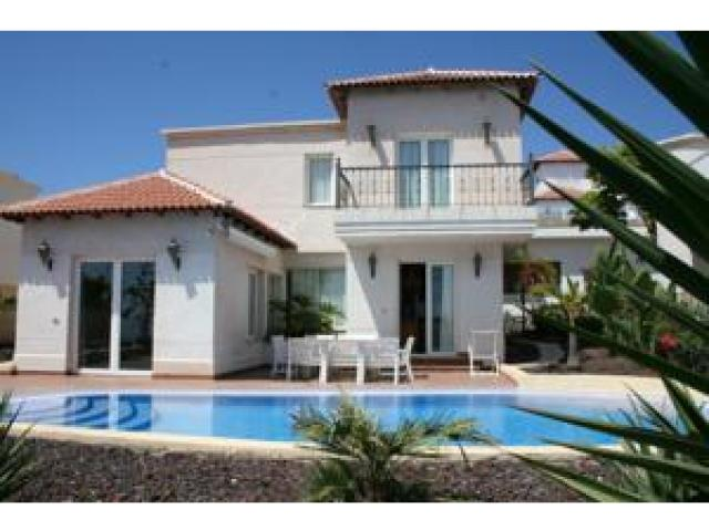 3 bed 3 bath villa with private pool